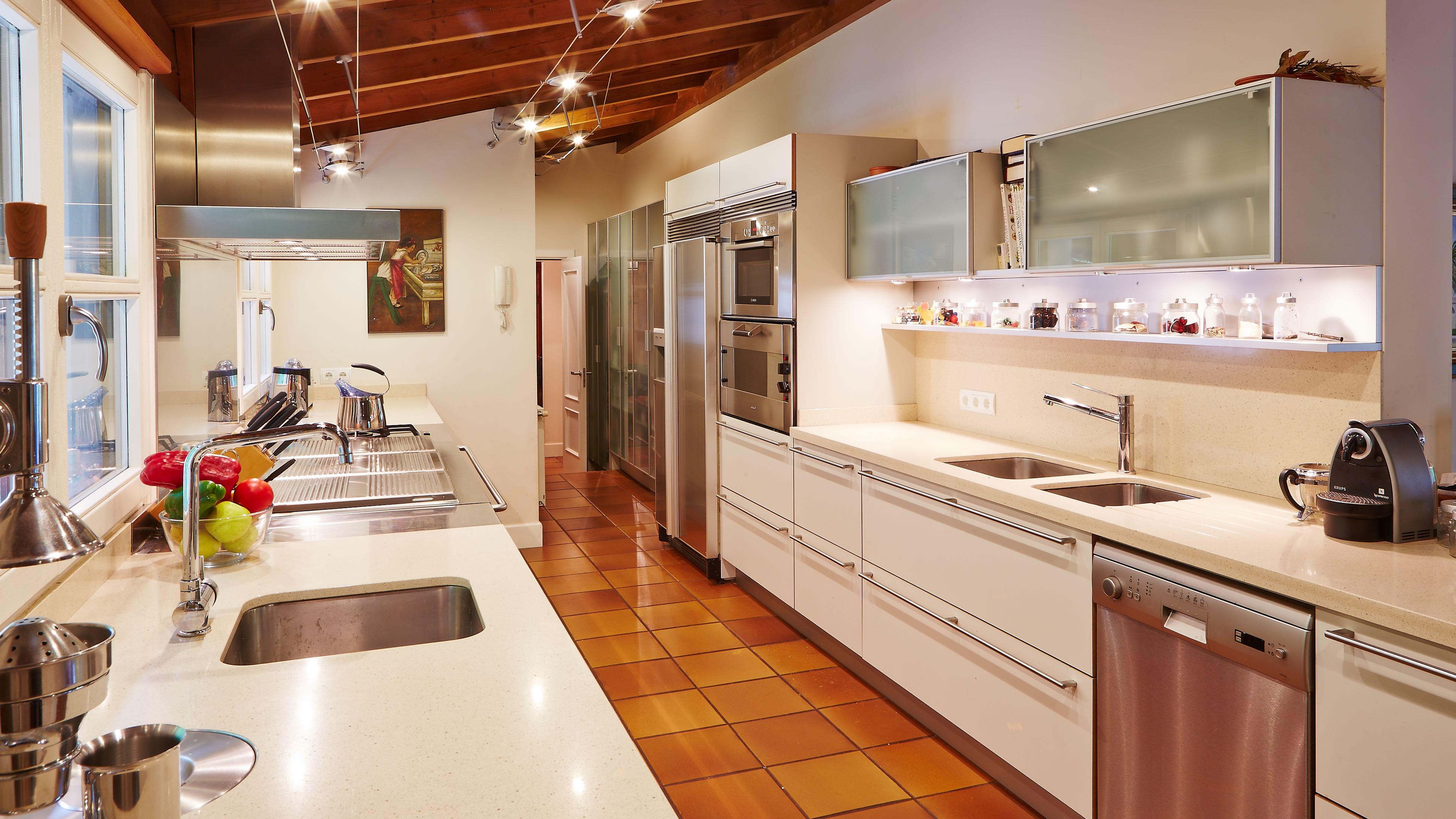 Exclusiva propiedad en santiago de compostela nique - Cocinas en santiago de compostela ...